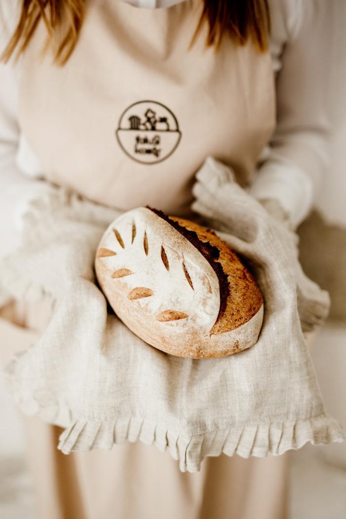 Félbarna kenyér (alakorral)